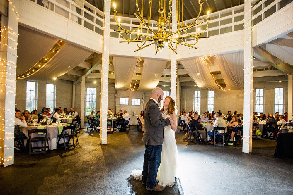 Seriously_Sabrina_Photography_Lexington_Kentucky_Red_Barn_Red_Mile_Wedding_Detoma84.jpg
