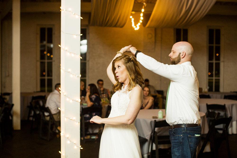 Seriously_Sabrina_Photography_Lexington_Kentucky_Red_Barn_Red_Mile_Wedding_Detoma105.jpg