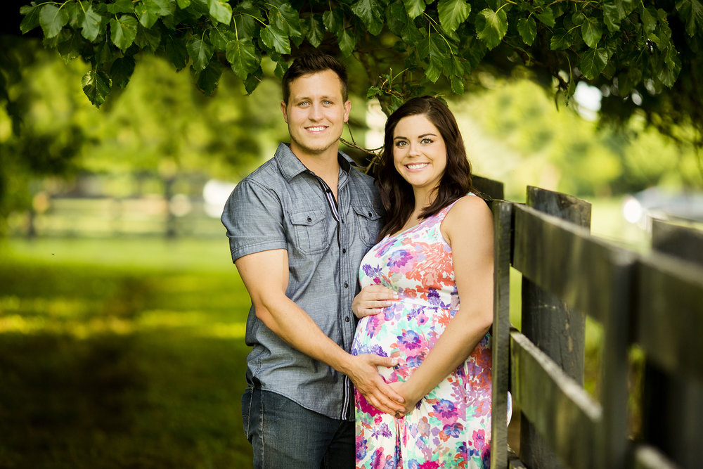 Seriously_Sabrina_Photography_Bardstown_Kentucky_Maternity_Portraits_Lee10.jpg