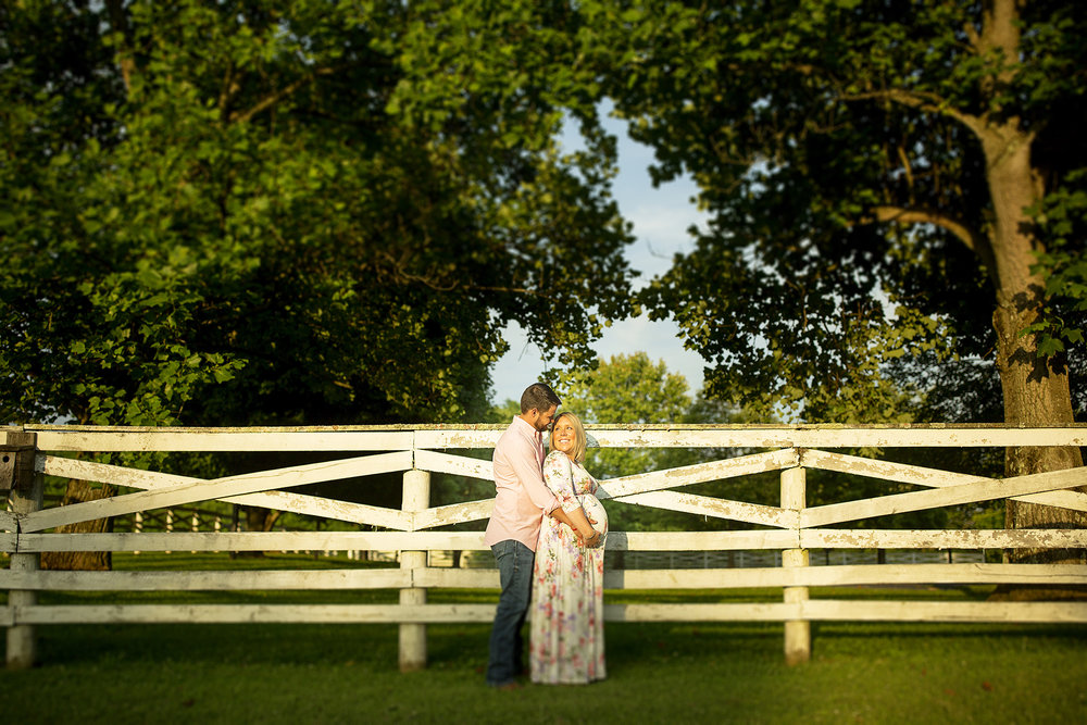 Seriously_Sabrina_Photography_Lexington_Kentucky_Shakertown_Maternity_Armstrong11.jpg