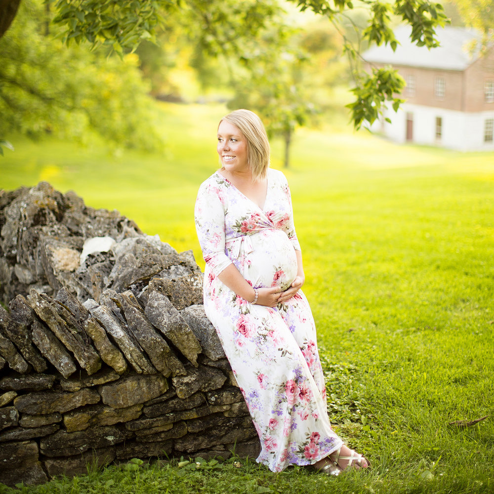 Seriously_Sabrina_Photography_Lexington_Kentucky_Shakertown_Maternity_Armstrong14.jpg