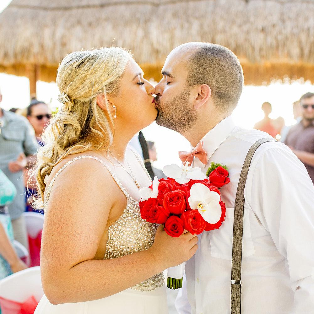Seriously_Sabrina_Photography_Occidental_Cozumel_Mexico_Destination_wedding_Dunlap42.jpg