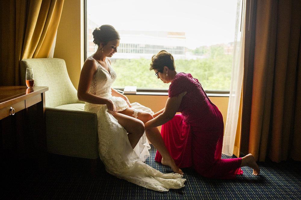 Seriously_Sabrina_Photography_Lexington _Kentucky_Limestone_Hall_Wedding_Rogers14.jpg
