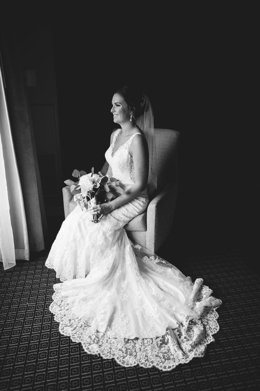 Seriously_Sabrina_Photography_Lexington _Kentucky_Limestone_Hall_Wedding_Rogers21.jpg