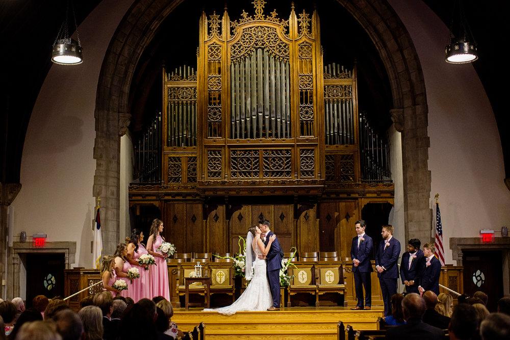 Seriously_Sabrina_Photography_Lexington _Kentucky_Limestone_Hall_Wedding_Rogers65.jpg