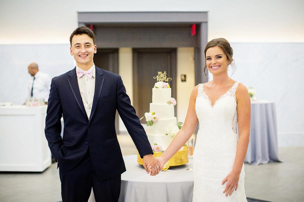 Seriously_Sabrina_Photography_Lexington _Kentucky_Limestone_Hall_Wedding_Rogers91.jpg