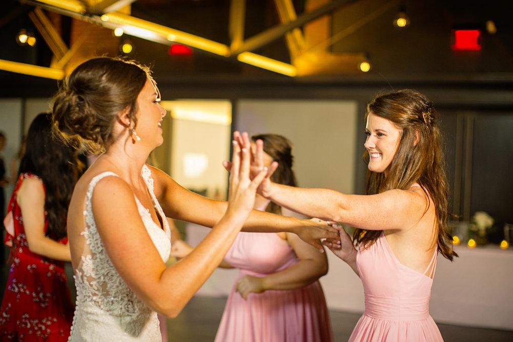 Seriously_Sabrina_Photography_Lexington _Kentucky_Limestone_Hall_Wedding_Rogers148.jpg
