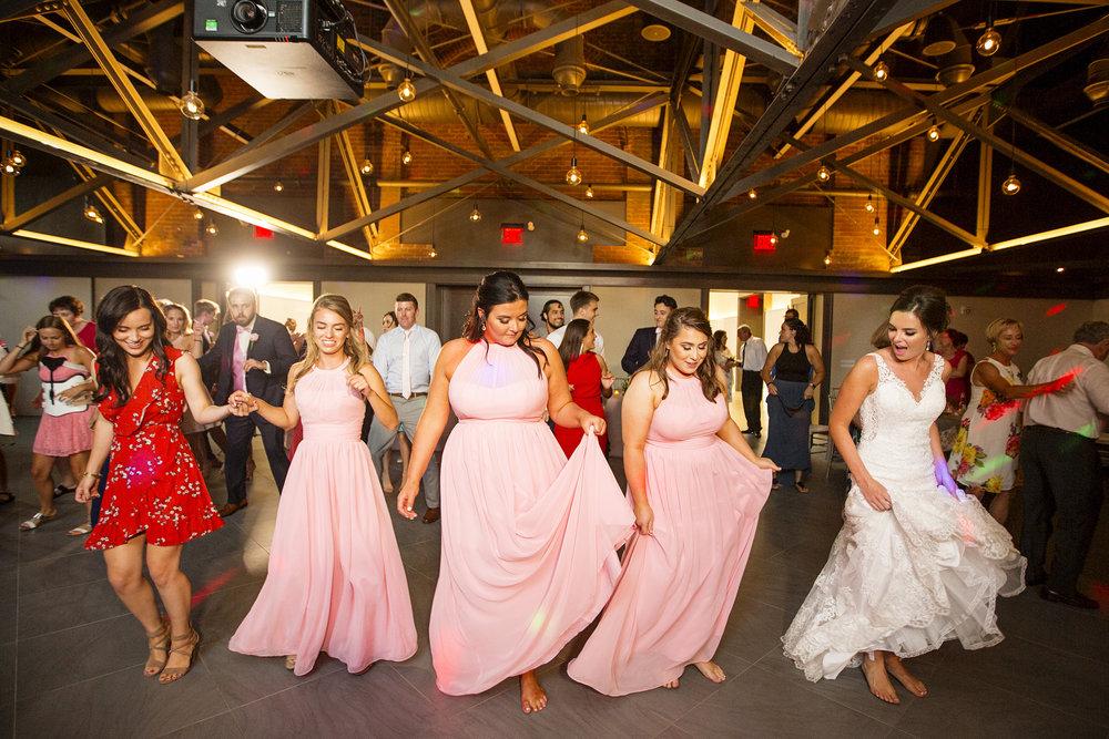 Seriously_Sabrina_Photography_Lexington _Kentucky_Limestone_Hall_Wedding_Rogers150.jpg