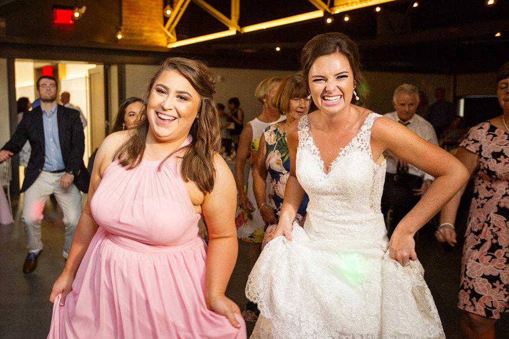 Seriously_Sabrina_Photography_Lexington _Kentucky_Limestone_Hall_Wedding_Rogers151.jpg