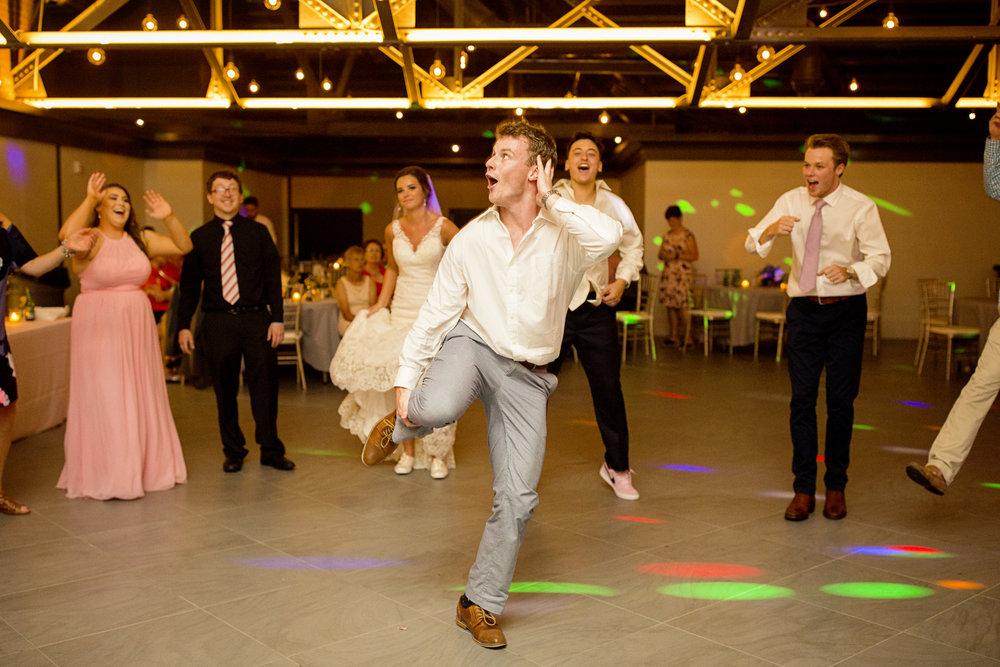 Seriously_Sabrina_Photography_Lexington _Kentucky_Limestone_Hall_Wedding_Rogers162.jpg