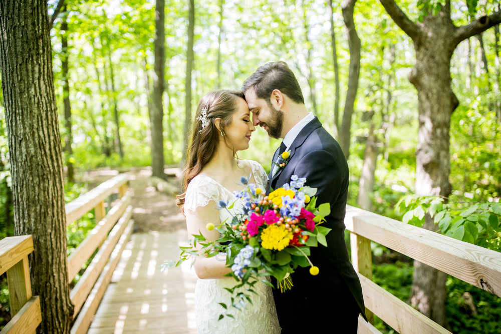 Seriously_Sabrina_Photography_Milwaukee_Wisconsin_Wedding_Schlitz_Audubon_Nature_Center_BrunderRife27.jpg