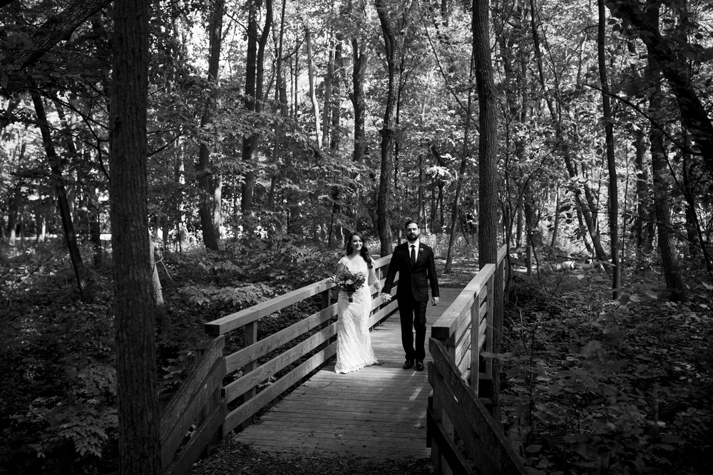 Seriously_Sabrina_Photography_Milwaukee_Wisconsin_Wedding_Schlitz_Audubon_Nature_Center_BrunderRife31.jpg