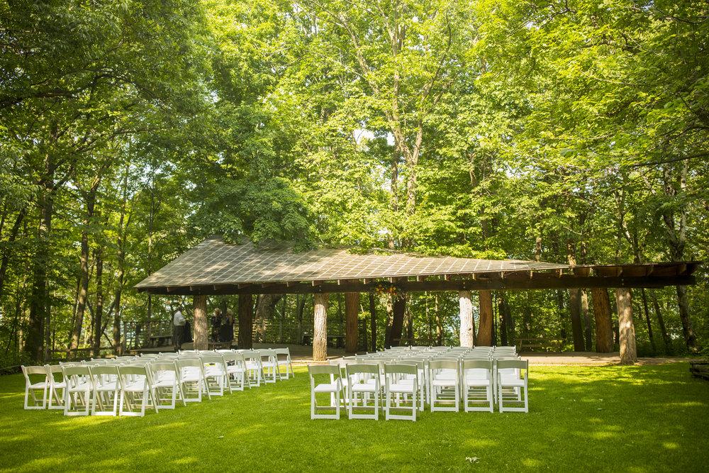 Seriously_Sabrina_Photography_Milwaukee_Wisconsin_Wedding_Schlitz_Audubon_Nature_Center_BrunderRife58.jpg