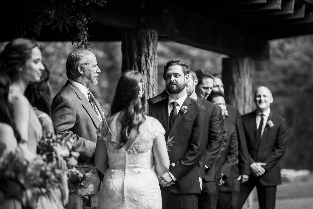 Seriously_Sabrina_Photography_Milwaukee_Wisconsin_Wedding_Schlitz_Audubon_Nature_Center_BrunderRife67.jpg