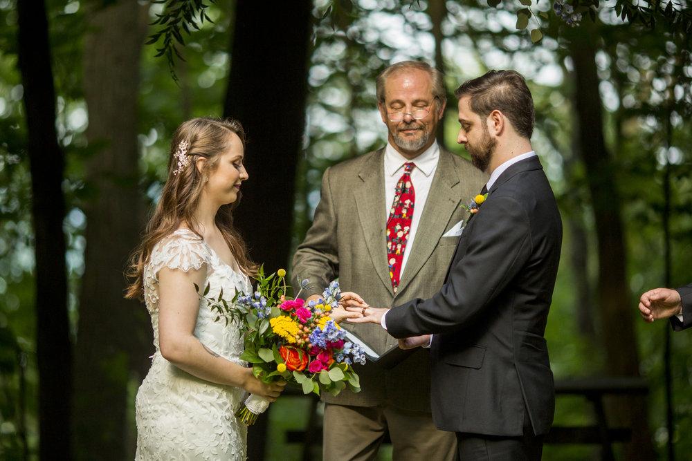 Seriously_Sabrina_Photography_Milwaukee_Wisconsin_Wedding_Schlitz_Audubon_Nature_Center_BrunderRife70.jpg