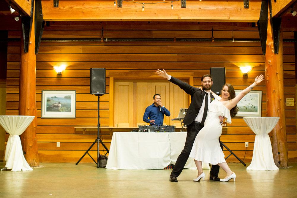 Seriously_Sabrina_Photography_Milwaukee_Wisconsin_Wedding_Schlitz_Audubon_Nature_Center_BrunderRife102.jpg