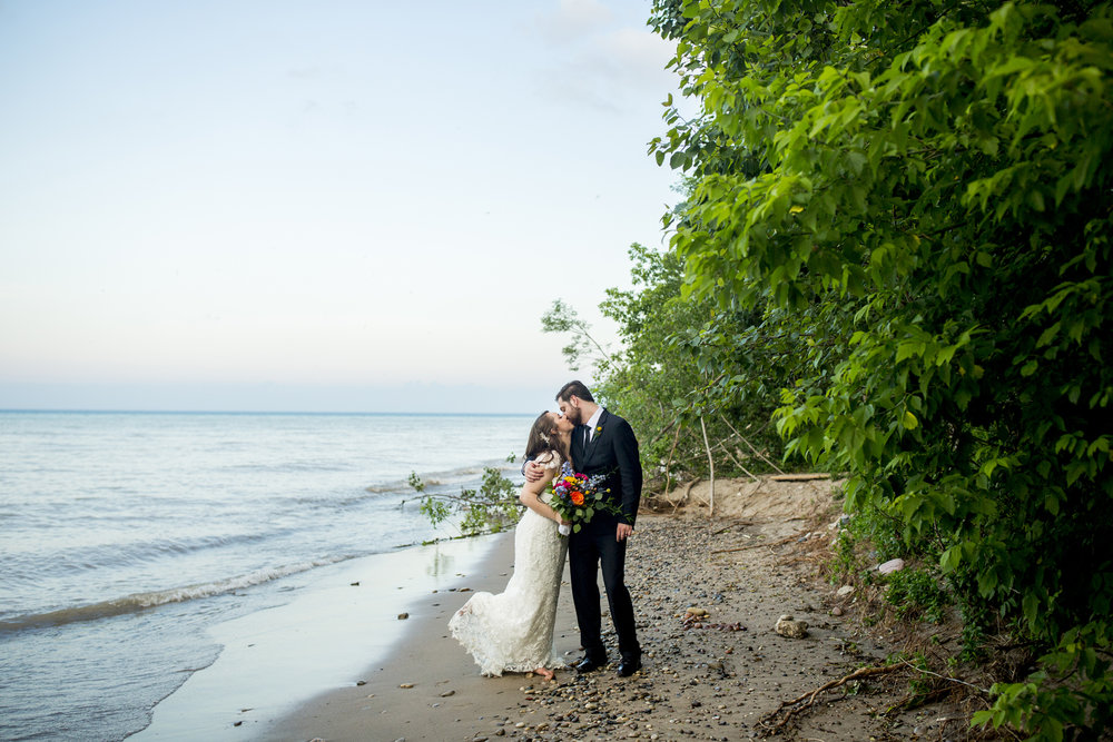 Seriously_Sabrina_Photography_Milwaukee_Wisconsin_Wedding_Schlitz_Audubon_Nature_Center_BrunderRife109.jpg