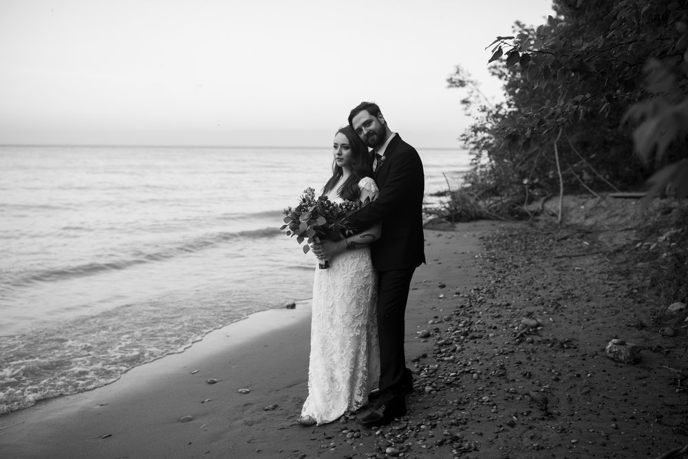 Seriously_Sabrina_Photography_Milwaukee_Wisconsin_Wedding_Schlitz_Audubon_Nature_Center_BrunderRife111.jpg