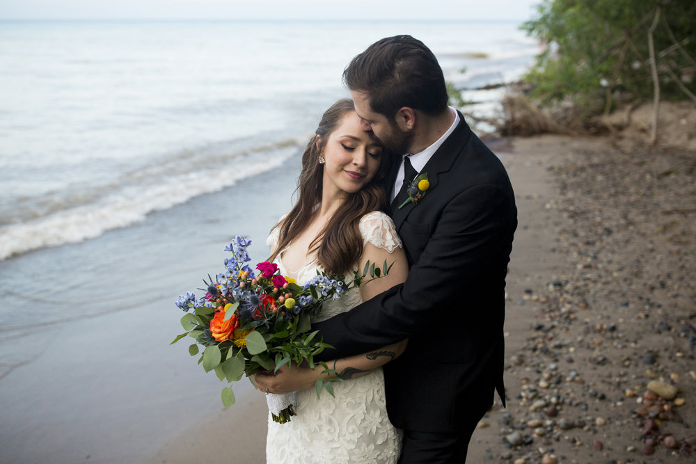 Seriously_Sabrina_Photography_Milwaukee_Wisconsin_Wedding_Schlitz_Audubon_Nature_Center_BrunderRife110.jpg