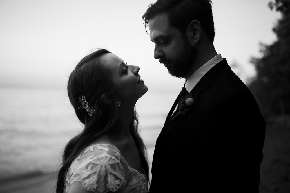 Seriously_Sabrina_Photography_Milwaukee_Wisconsin_Wedding_Schlitz_Audubon_Nature_Center_BrunderRife117.jpg