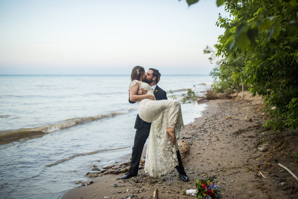 Seriously_Sabrina_Photography_Milwaukee_Wisconsin_Wedding_Schlitz_Audubon_Nature_Center_BrunderRife119.jpg