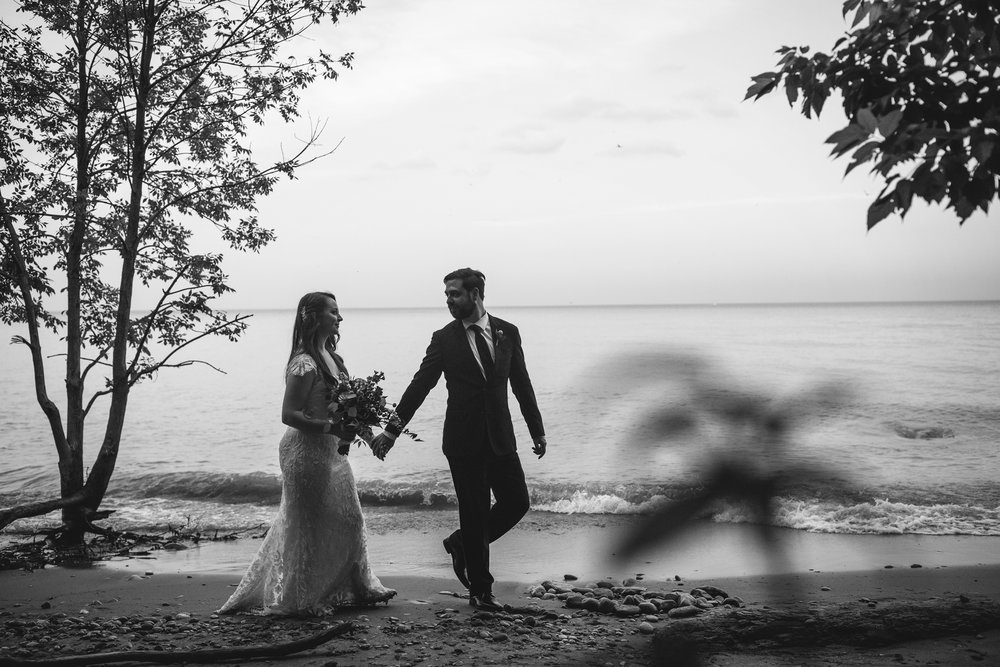 Seriously_Sabrina_Photography_Milwaukee_Wisconsin_Wedding_Schlitz_Audubon_Nature_Center_BrunderRife121.jpg