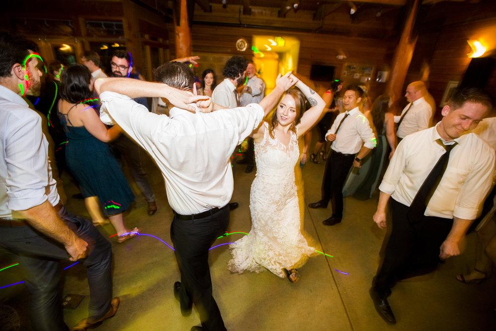Seriously_Sabrina_Photography_Milwaukee_Wisconsin_Wedding_Schlitz_Audubon_Nature_Center_BrunderRife134.jpg