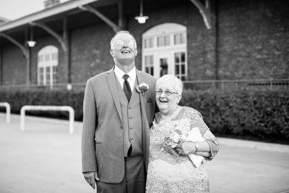 Seriously_Sabrina_Photography_Ashland_Kentucky_Train_Depot_Wedding_Parsons84.jpg