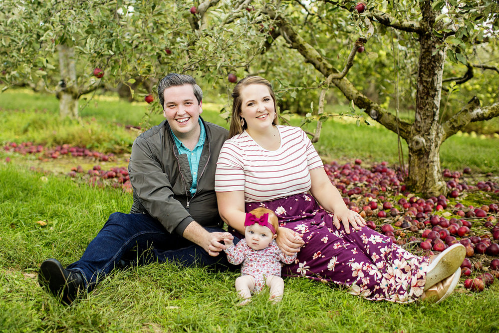Seriously_Sabrina_Photography_Lexington_Kentucky_Eckert_Boyd_Orchard_Portraits_Good_Family_9.jpg