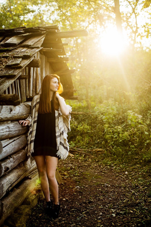 Seriously_Sabrina_Photography_Lexington_Kentucky_Senior_21c_Downtown_McConnell_Springs_ReaganA_17.jpg