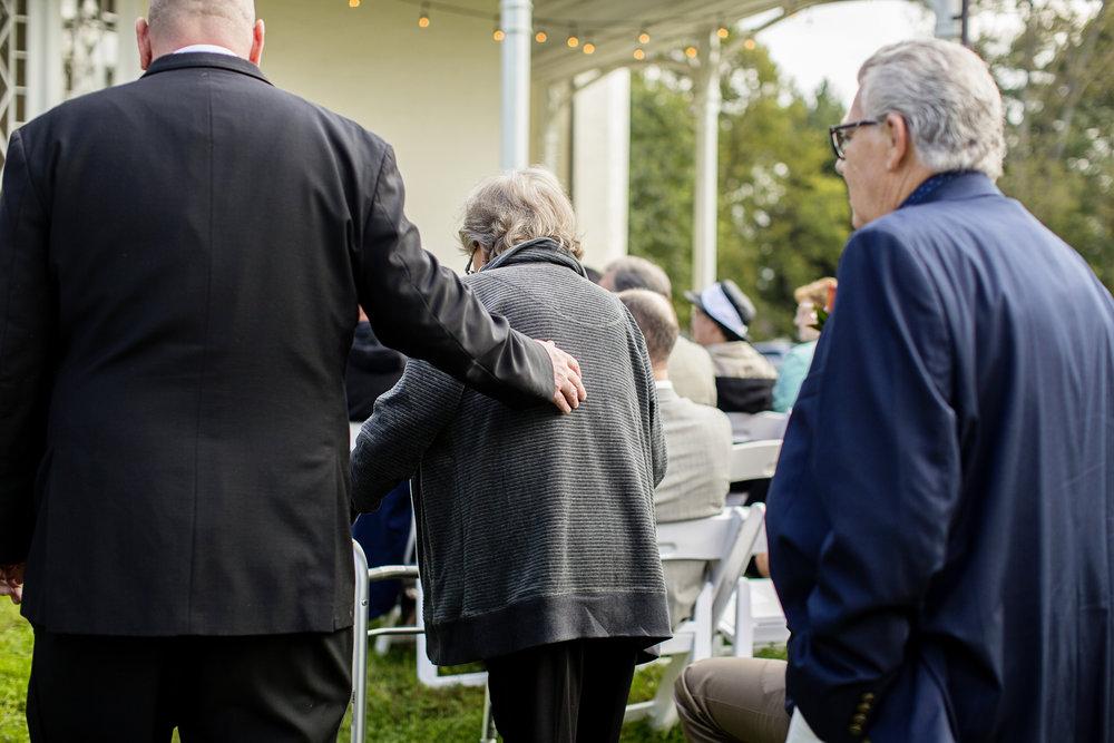 Seriously_Sabrina_Photography_Lexington_Kentucky_Loudon_House_Wedding_GrigoleitByard_62.jpg
