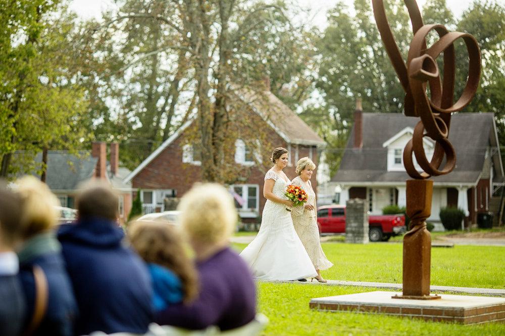 Seriously_Sabrina_Photography_Lexington_Kentucky_Loudon_House_Wedding_GrigoleitByard_64.jpg