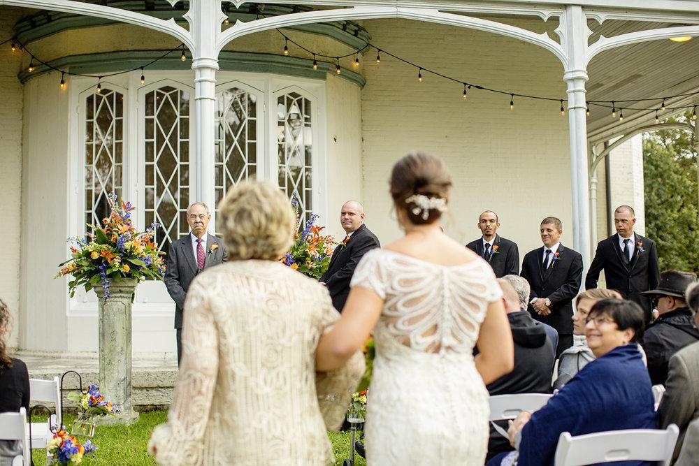 Seriously_Sabrina_Photography_Lexington_Kentucky_Loudon_House_Wedding_GrigoleitByard_65.jpg