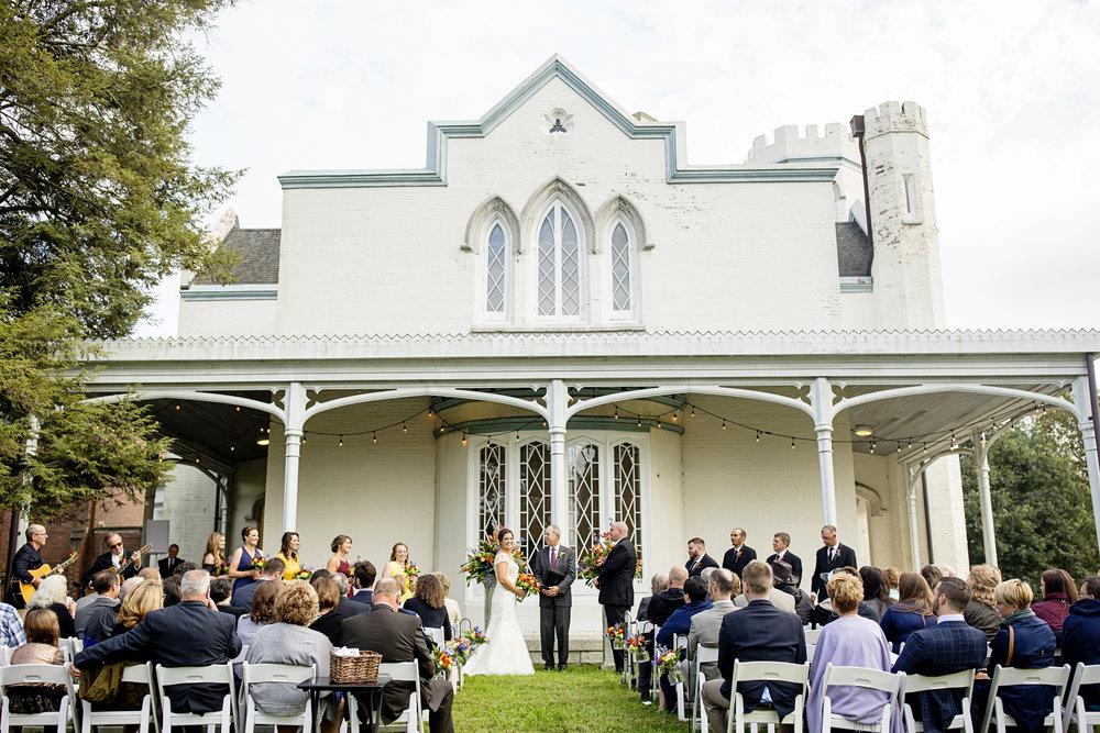 Seriously_Sabrina_Photography_Lexington_Kentucky_Loudon_House_Wedding_GrigoleitByard_68.jpg