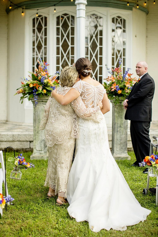 Seriously_Sabrina_Photography_Lexington_Kentucky_Loudon_House_Wedding_GrigoleitByard_66.jpg