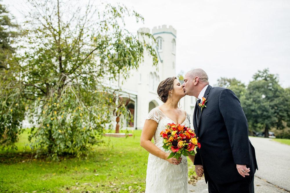 Seriously_Sabrina_Photography_Lexington_Kentucky_Loudon_House_Wedding_GrigoleitByard_96.jpg
