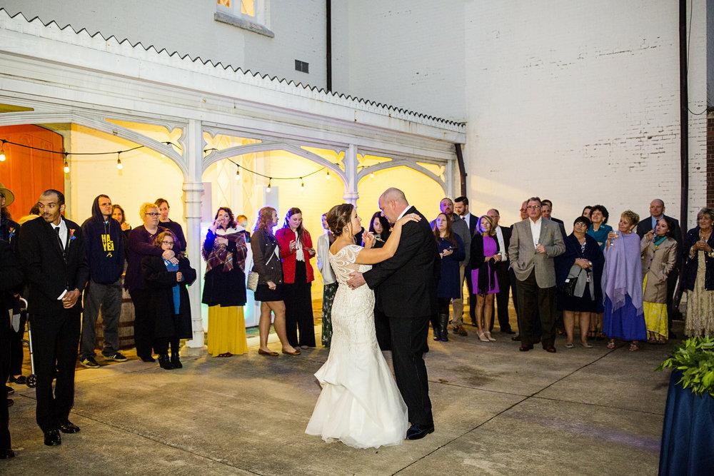 Seriously_Sabrina_Photography_Lexington_Kentucky_Loudon_House_Wedding_GrigoleitByard_128.jpg