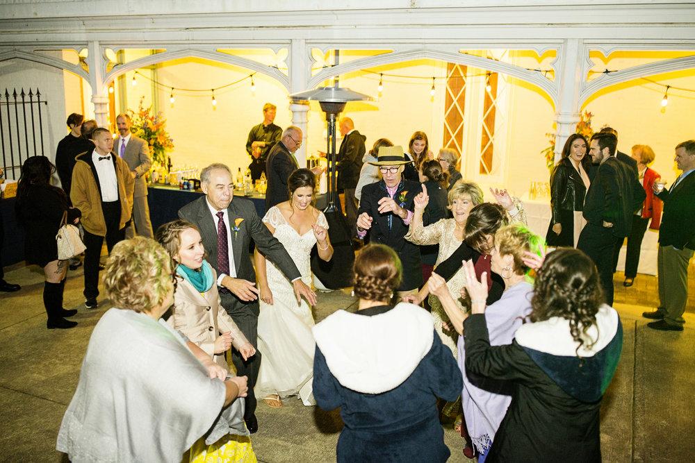 Seriously_Sabrina_Photography_Lexington_Kentucky_Loudon_House_Wedding_GrigoleitByard_139.jpg