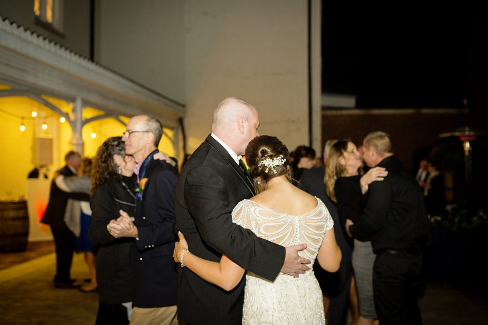Seriously_Sabrina_Photography_Lexington_Kentucky_Loudon_House_Wedding_GrigoleitByard_152.jpg