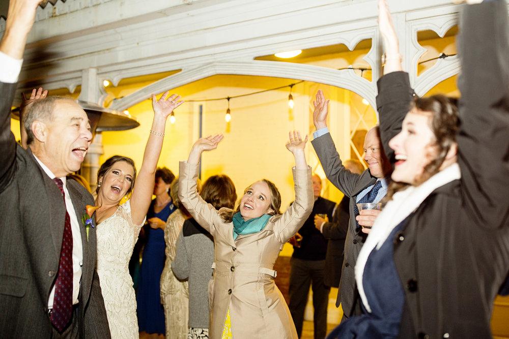Seriously_Sabrina_Photography_Lexington_Kentucky_Loudon_House_Wedding_GrigoleitByard_156.jpg