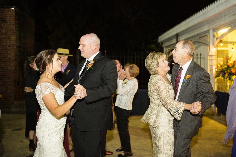 Seriously_Sabrina_Photography_Lexington_Kentucky_Loudon_House_Wedding_GrigoleitByard_160.jpg