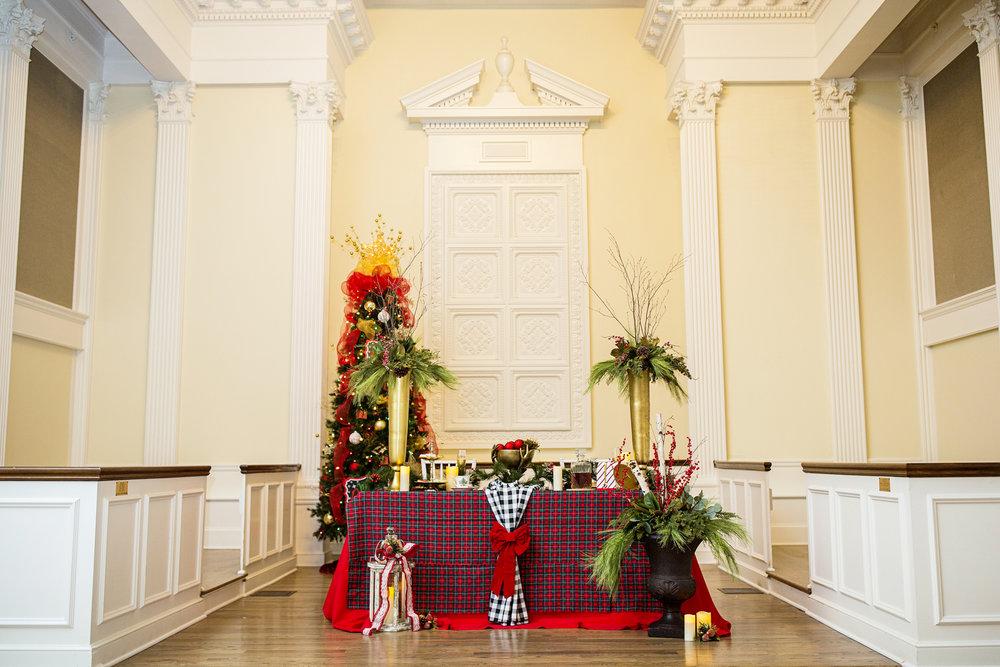 Seriously_Sabrina_Photography_Versailles_Kentucky_Holiday_Galerie_Styled_Shoot_December_2018_41.5.jpg