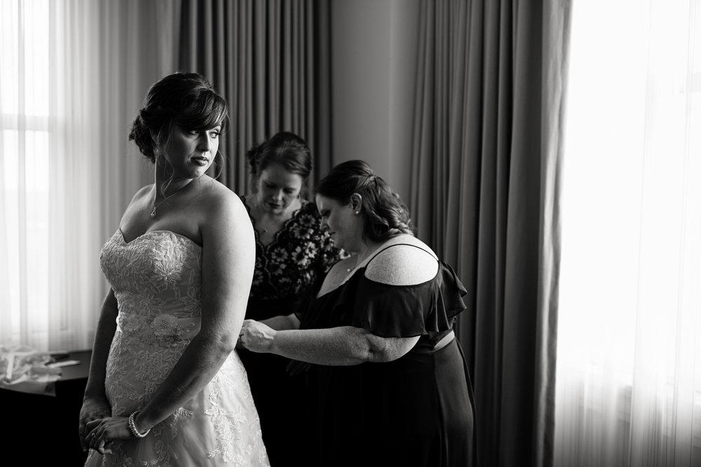 Seriously_Sabrina_Photography_Lexington_Kentucky_21c_Round_Barn_Red_Mile_Wedding_Gorley_25.jpg