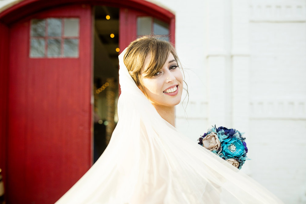 Seriously_Sabrina_Photography_Lexington_Kentucky_21c_Round_Barn_Red_Mile_Wedding_Gorley_40.jpg