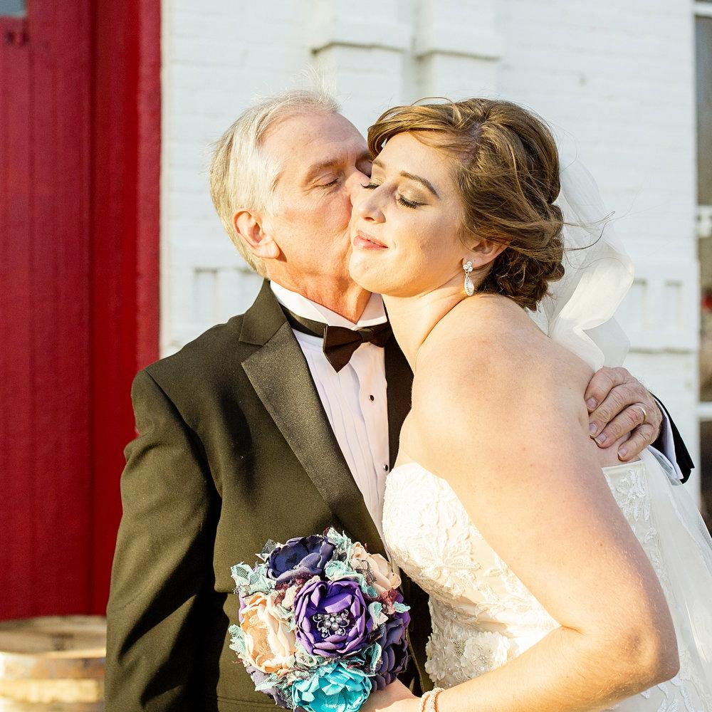 Seriously_Sabrina_Photography_Lexington_Kentucky_21c_Round_Barn_Red_Mile_Wedding_Gorley_43.jpg