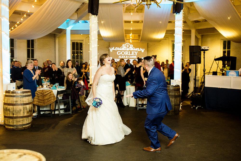 Seriously_Sabrina_Photography_Lexington_Kentucky_21c_Round_Barn_Red_Mile_Wedding_Gorley_95.jpg