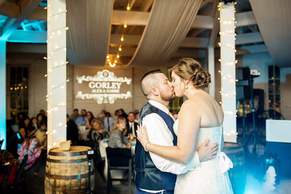 Seriously_Sabrina_Photography_Lexington_Kentucky_21c_Round_Barn_Red_Mile_Wedding_Gorley_115.jpg