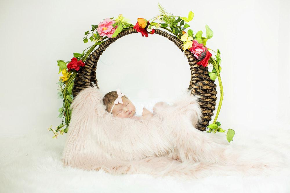 Seriously_Sabrina_Photography_Lexington_Kentucky_Studio_Family_Newborn_Portraits_Wood_1.jpg
