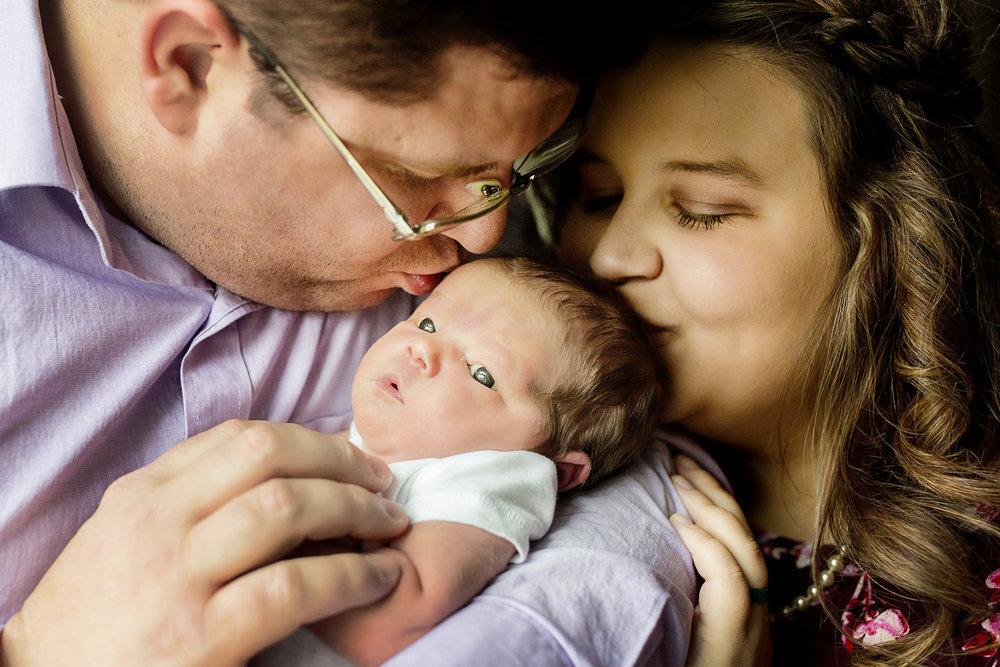 Seriously_Sabrina_Photography_Lexington_Kentucky_Studio_Family_Newborn_Portraits_Wood_4.jpg