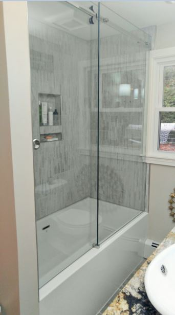 Shower Door 1.jpg